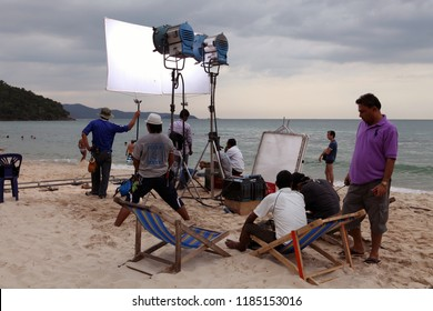 PATTAYA, THAILAND - DECEMBER 22: Team of professionals shoots film on the coast on December 22, 2013 in Pattaya.