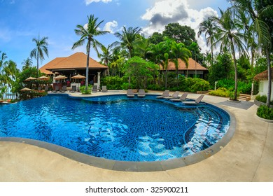PATTAYA, THAILAND - MAY 24 : Swimming pool of Sea Sand Sun Hotel on May 24, 2015. The hotel consist of 60 boutique-style masterpiece Villas and Rooms in south Pattaya.