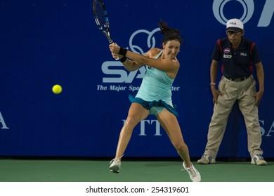 PATTAYA, THAILAND-FEBRUARY 11: Yuliya Beygelzimer of Ukraine returns the ball during Day 3 of 2015 PTT Thailand Open on February 11, 2015 in Pattaya, Thailand.