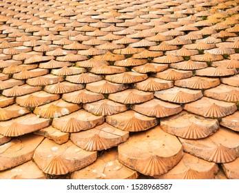 Pattern of earthenware roof tile