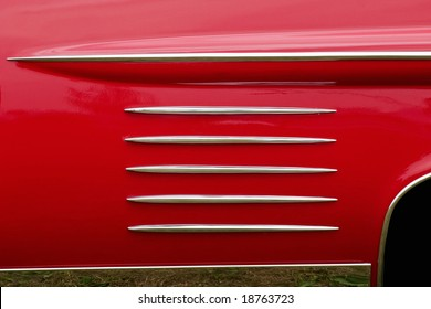 Pattern on a old american car
