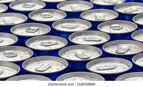 Pattern repeating of beer cans in alcohol and beverage department of superstore