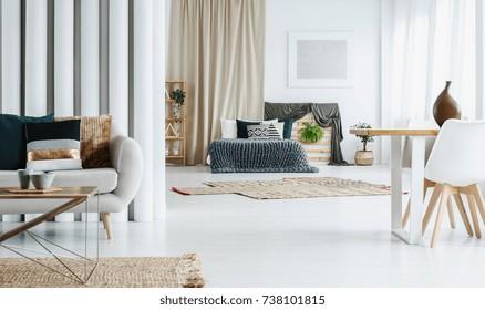 Tremendous Fotos Imagenes Y Otros Productos Fotograficos De Stock Machost Co Dining Chair Design Ideas Machostcouk