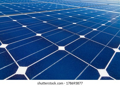 Patterns of mono-crystalline photovoltaic cells