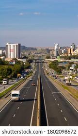 Sorocaba/São Paulo/Brazil - 07 08 2020: Highway that cuts through the city