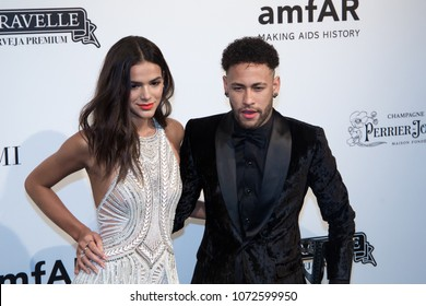 São Paulo/São Paulo/Brazil apr, 13 2018 Soccer player Neymar Jr and his girlfriend Bruna Marquezine, pose on the red carpet of The Foundation for AIDS Research (amfAR) event in Sao Paulo, Brazil.