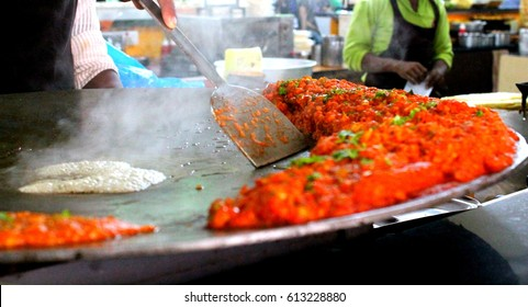 Pav Bhaji being cooked in the streets of India