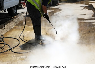 Pavement cleaning with pressurized water
