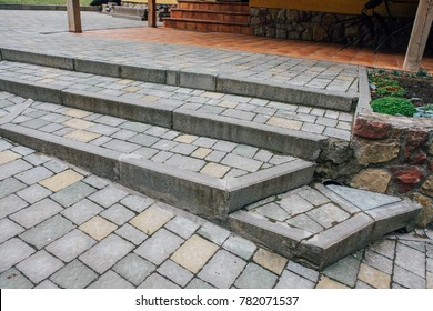 Pavers colored inserted on the courtyard, stone tiles neat