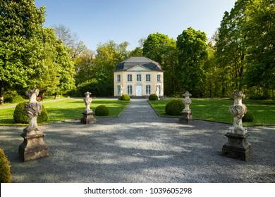 pavilion Sophienlust in the park palace Burgk in springtime