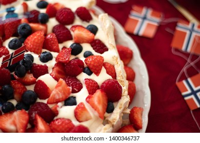 Pavlova cake, for Norways national day, 17th of may.