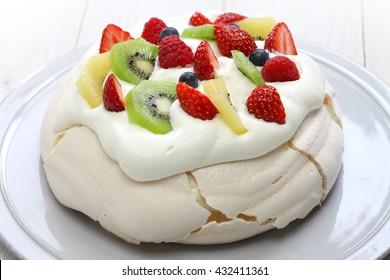 pavlova, meringue cake, New Zealand Australian dessert