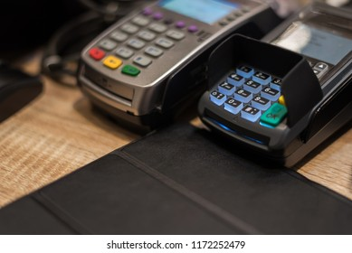 Payment with credit card. EDC machine or terminal