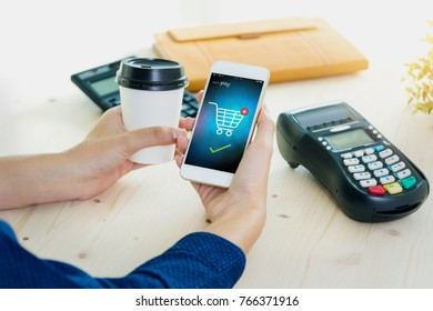 payment online shopping NFC technology on Smartphone shopping online
