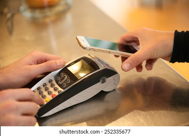 Payment transaction with smartphone