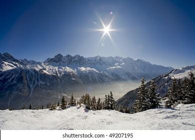 Paysage de montagne du Massif du Mont-Blanc en savoie dans les Alpes