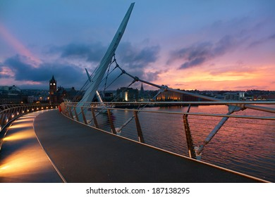 Peace bridge of Derry at sunset