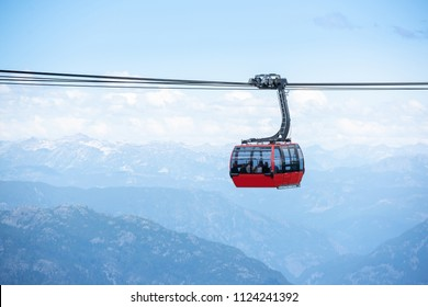 Peak to Peak gondola in Whistler mountains, Vancouver BC, Canada