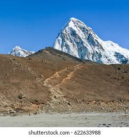 Peak Puno Ri and the treks at Kala Patthar - Nepal? Himalayas