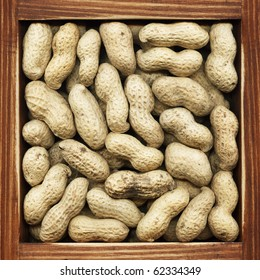 Peanuts, collection of loose products