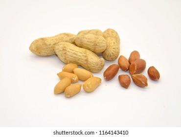 Peanuts in nutshell  and peeled peanuts