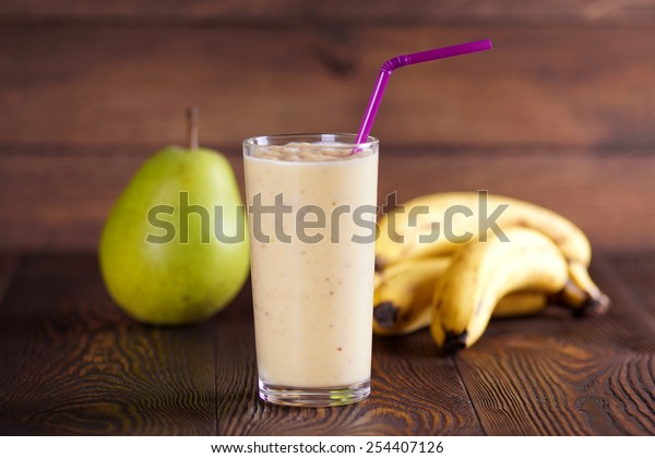 Pear banana smoothie
