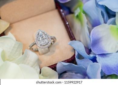 Pear Illusion setting ring