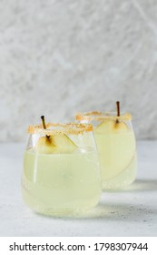 Pear vanilla gin fizz. Space for text.