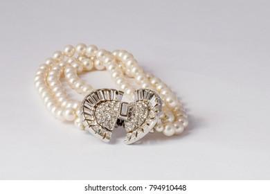 Pearl Bracelet  Elegant hand jwellery