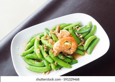 peas, fried shrimps,
