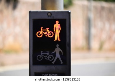 Pedestrian crossing lights