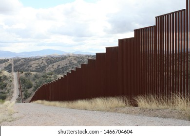 pedestrian style fencing along the US Mexico border in Tucson Sector Arizona 4529