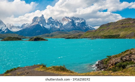 Pehoe Lake Panorama with Cuernos del Paine peaks, Torres del Paine national park, Patagonia, Chile.