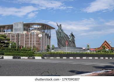 Pekanbaru, Indonesia - 08 17 2020: photo landscape monumen zapin at city pekanbaru riau