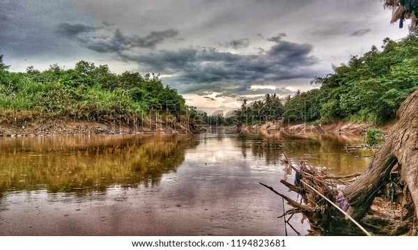 Download 74 Background Pemandangan Sungai Gratis Terbaru