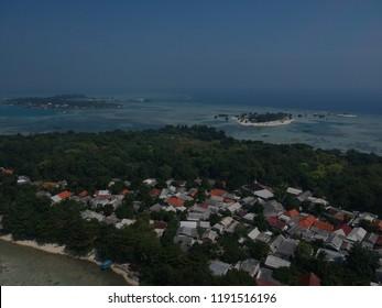 Pemukiman rumah warga pulau pari