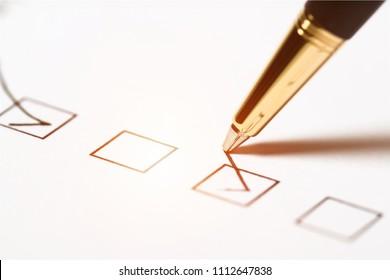 Pen checklist concept