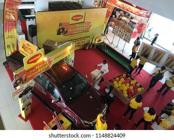 "Penampang, Sabah - Aug 4, 2018: Maggi ""Jom masak & menang besar"" event where winners play to win prizes."