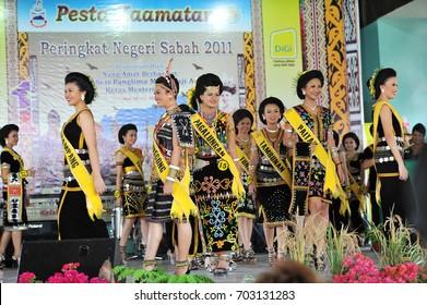 Penampang,Sabah-May 30,2017: Kadazandusun girls in traditional costume for Unduk Ngadau Kaamatan.It is a beauty pageant held annually during the Kaamatan cultural event in Sabah,Malaysia