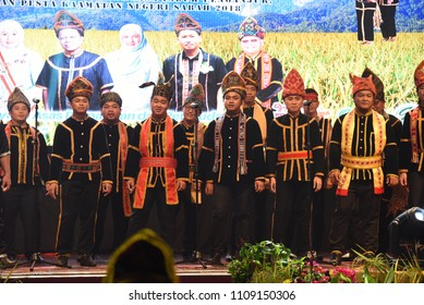 Penampang,Sabah-May 30,2018:Group of people from kadazan tribe in traditional costume during Kaamatan festival.Harvest festival,its a major yearly event for the Kadazandusun in Sabah.