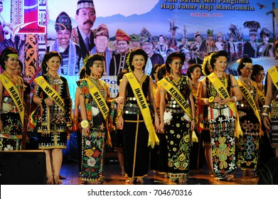 Penampang,Sabah-May 31,2011:Beautiful Kadazandusun girls in traditional costume for Unduk Ngadau Kaamatan.It is a beauty pageant held annually during the Kaamatan cultural event in Sabah,Malaysia