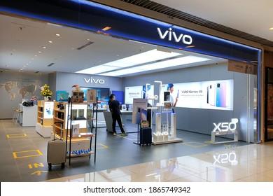 PENANG, MALAYSIA - 26 NOV 2020: Vivo Communication Technology store in Shopping Mall, Penang. Vivo, is a Chinese technology company headquartered in Dongguan, Guangdong.