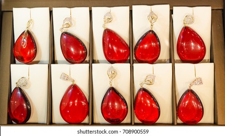 Pendants and pendants made of red amber