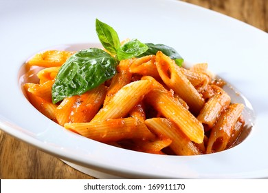 pene pasta in tomato souce