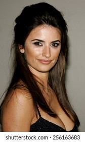 Penelope Cruz attends the Rodeo Drive Walk Of Style Award honoring Gianni and Donatella Versace held at the Beverly Hills City Hall in Beverly Hills, California on February 8, 2007.