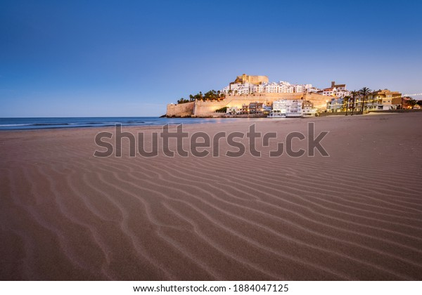 peniscola-castle-beach-cityscape-dusk-60