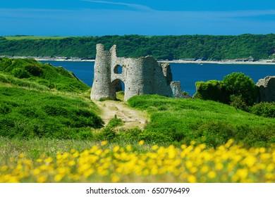 Pennard Castle, Three Cliffs Bay, Gower, Swansea, Wales, UK