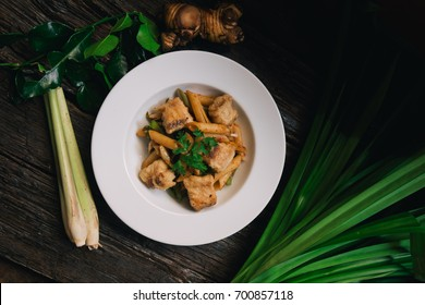 Penne with tomyam Fried fish