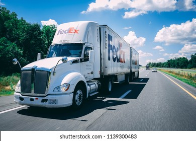 Fedex Truck Images, Stock Photos & Vectors | Shutterstock