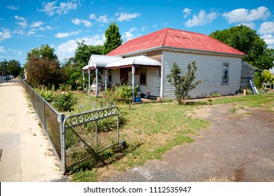 PENOLA, SOUTH AUSTRALIA, NOVEMBER 2017; Cottages along the heritage trail of Petticoat Lane, Penola, South Australia, home of Australia's only Saint, Mary Mackillop